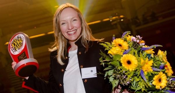 Mel Wallis de Vries wint voor de vierde keer de Prijs van de Jonge Jury, dit keer met haar boek Shock